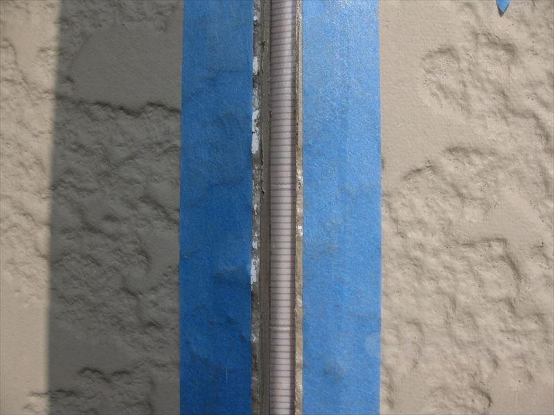 サイディング板への塗装 ③割れなどの補修